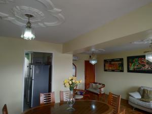 Apartamento En Ventaen Valencia, Los Nisperos, Venezuela, VE RAH: 21-9713
