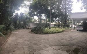 Casa En Ventaen Caracas, Country Club, Venezuela, VE RAH: 21-9735