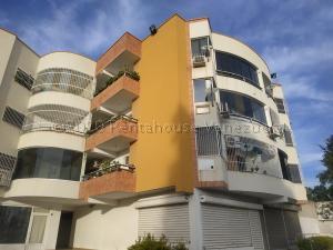Apartamento En Ventaen Maracay, Las Cayenas, Venezuela, VE RAH: 21-9762
