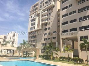 Apartamento En Alquileren Maracaibo, Avenida El Milagro, Venezuela, VE RAH: 21-9777