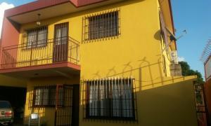 Casa En Ventaen San Antonio De Los Altos, El Limon, Venezuela, VE RAH: 21-9825