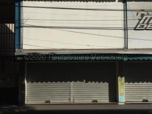 Local Comercial En Ventaen Maracay, Zona Centro, Venezuela, VE RAH: 21-9843