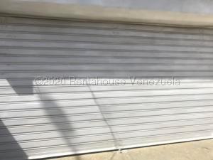 Local Comercial En Alquileren Punto Fijo, Puerta Maraven, Venezuela, VE RAH: 21-9846