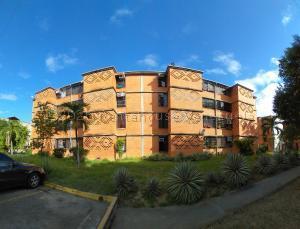 Apartamento En Ventaen Guarenas, Nueva Casarapa, Venezuela, VE RAH: 21-9864