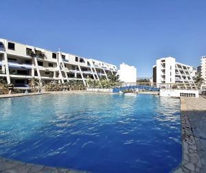 Apartamento En Ventaen Lecheria, Complejo Turistico El Morro, Venezuela, VE RAH: 21-10486