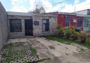 Casa En Ventaen Cabudare, La Mora, Venezuela, VE RAH: 21-9943