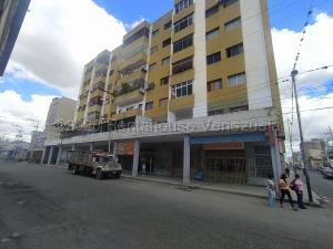 Apartamento En Ventaen Barquisimeto, Centro, Venezuela, VE RAH: 21-8407