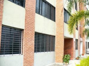 Apartamento En Ventaen Caracas, Los Naranjos Humboldt, Venezuela, VE RAH: 21-9927