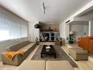 Apartamento En Ventaen Maracaibo, La Lago, Venezuela, VE RAH: 21-9946