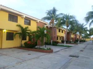 Townhouse En Ventaen Chichiriviche, Flamingo, Venezuela, VE RAH: 21-9956