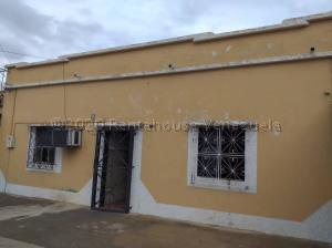 Casa En Ventaen Carora, Municipio Torres, Venezuela, VE RAH: 21-10033