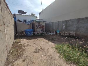 Terreno En Ventaen Cabudare, Centro, Venezuela, VE RAH: 21-9969