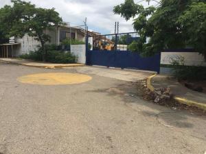 Terreno En Ventaen Maracaibo, Circunvalacion Uno, Venezuela, VE RAH: 21-9987