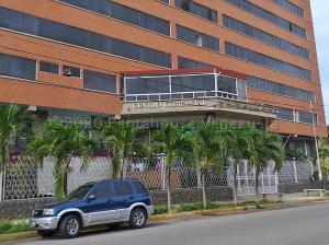 Apartamento En Ventaen Catia La Mar, Playa Grande, Venezuela, VE RAH: 21-10005