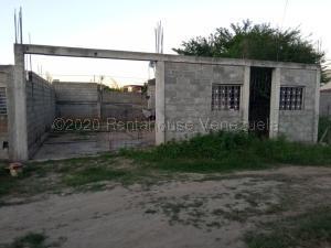 Casa En Ventaen Cabudare, Parroquia José Gregorio, Venezuela, VE RAH: 21-10017