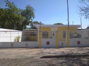 Casa En Ventaen Municipio San Francisco, Sierra Maestra, Venezuela, VE RAH: 21-10062