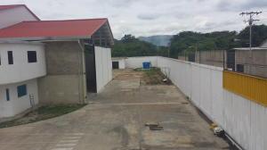 Industrial En Ventaen Santa Cruz De Aragua, Zona Industrial San Crispin, Venezuela, VE RAH: 21-10098