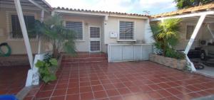 Casa En Ventaen Cabudare, Parroquia José Gregorio, Venezuela, VE RAH: 21-10112