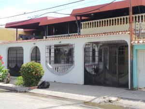 Casa En Ventaen Cagua, La Fundacion, Venezuela, VE RAH: 21-10129