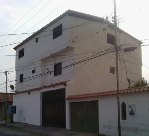 Local Comercial En Alquileren Cabudare, Parroquia Cabudare, Venezuela, VE RAH: 21-10132