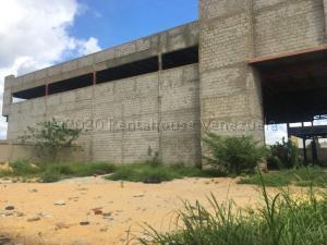 Edificio En Ventaen Punto Fijo, Santa Irene, Venezuela, VE RAH: 21-10157