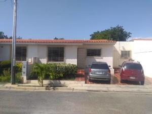 Casa En Ventaen Cabudare, Parroquia José Gregorio, Venezuela, VE RAH: 21-10186