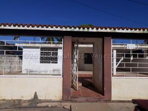 Casa En Alquileren Ciudad Ojeda, Barrio Libertad, Venezuela, VE RAH: 21-10793