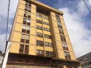 Apartamento En Ventaen Los Teques, Los Teques, Venezuela, VE RAH: 21-10207