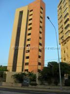 Apartamento En Alquileren Maracaibo, Avenida Bella Vista, Venezuela, VE RAH: 21-10205