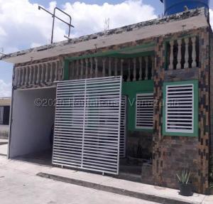 Casa En Ventaen Municipio Libertador, Villas De San Francisco, Venezuela, VE RAH: 21-10214