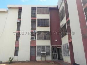 Apartamento En Alquileren Maracaibo, El Varillal, Venezuela, VE RAH: 21-10247
