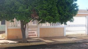 Casa En Ventaen Municipio San Francisco, El Soler, Venezuela, VE RAH: 21-10257