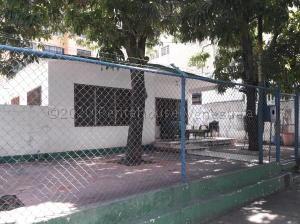 Casa En Ventaen Maracaibo, La Lago, Venezuela, VE RAH: 21-12052