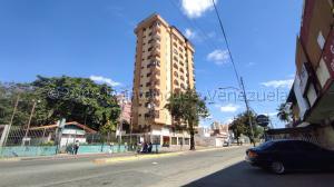 Apartamento En Ventaen La Victoria, Avenida Victoria, Venezuela, VE RAH: 21-10285