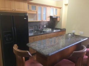 Apartamento En Alquileren Maracaibo, Avenida Bella Vista, Venezuela, VE RAH: 21-10293