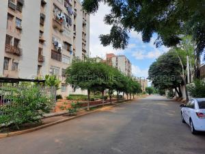 Apartamento En Ventaen Maracaibo, Avenida Goajira, Venezuela, VE RAH: 21-10267