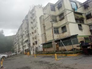 Apartamento En Ventaen Caracas, Caricuao, Venezuela, VE RAH: 21-10306