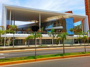 Local Comercial En Alquileren Maracaibo, 5 De Julio, Venezuela, VE RAH: 21-10364