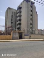 Apartamento En Ventaen Maracaibo, Valle Frio, Venezuela, VE RAH: 21-10371