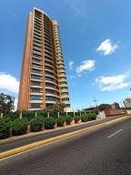 Apartamento En Ventaen Maracaibo, Avenida El Milagro, Venezuela, VE RAH: 21-10390