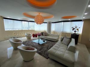 Apartamento En Ventaen Maracaibo, Avenida El Milagro, Venezuela, VE RAH: 21-10417
