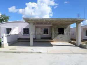 Casa En Ventaen Barquisimeto, Roca Del Norte, Venezuela, VE RAH: 21-10489