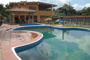 Apartamento En Ventaen Higuerote, Club Campestre El Paraiso, Venezuela, VE RAH: 21-10461