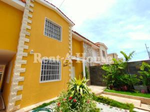 Casa En Ventaen Maracaibo, Lago Mar Beach, Venezuela, VE RAH: 21-10494