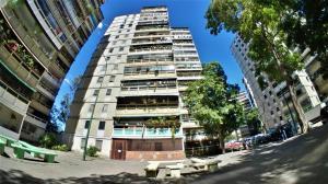 Apartamento En Ventaen Caracas, Caricuao, Venezuela, VE RAH: 21-10509