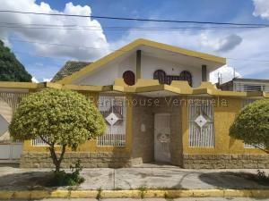 Casa En Ventaen Turmero, San Pablo, Venezuela, VE RAH: 21-10545