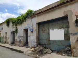 Terreno En Ventaen Turmero, Zona Centro, Venezuela, VE RAH: 21-251