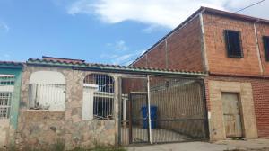 Casa En Ventaen Guacara, El Saman, Venezuela, VE RAH: 21-10564