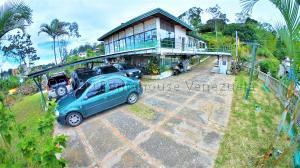 Casa En Ventaen San Antonio De Los Altos, Las Polonias Viejas, Venezuela, VE RAH: 21-10601