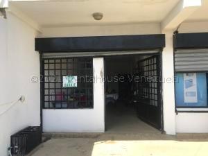 Local Comercial En Alquileren Punto Fijo, Puerta Maraven, Venezuela, VE RAH: 21-10679